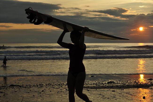 santa-teresa-surfing