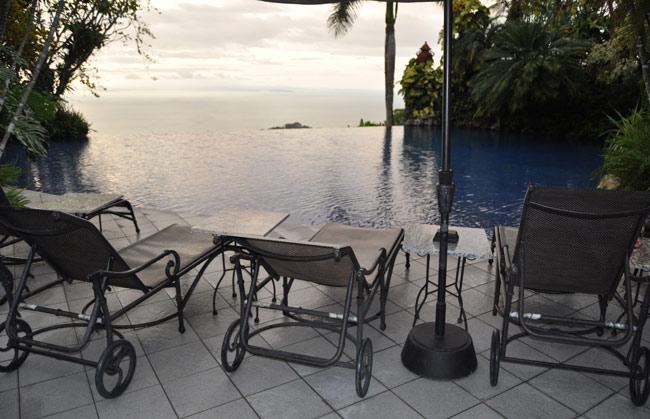 villa-culletas-infinity-pool